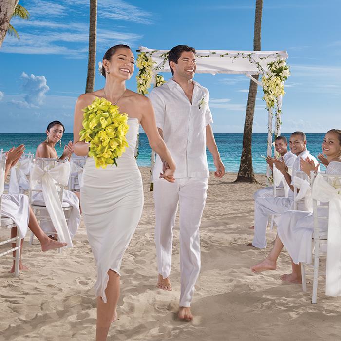 DRELR_WEDDING_ON_BEACH_2A.jpg