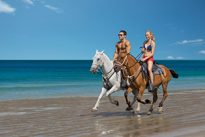 DRELM_EXT_HorseBackRiding_Beach_1.jpg