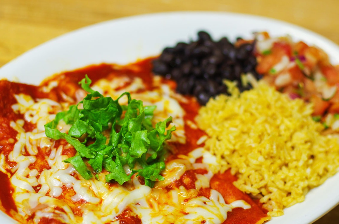 Mexican Dinners - Mexican food is home-style, served with tons of Telluride organic flour or corn tortillas.Se habla español