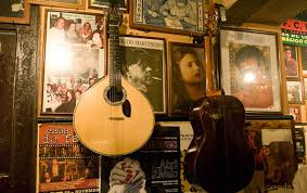 fado - Mouraria is the birthplace of Fado Music
