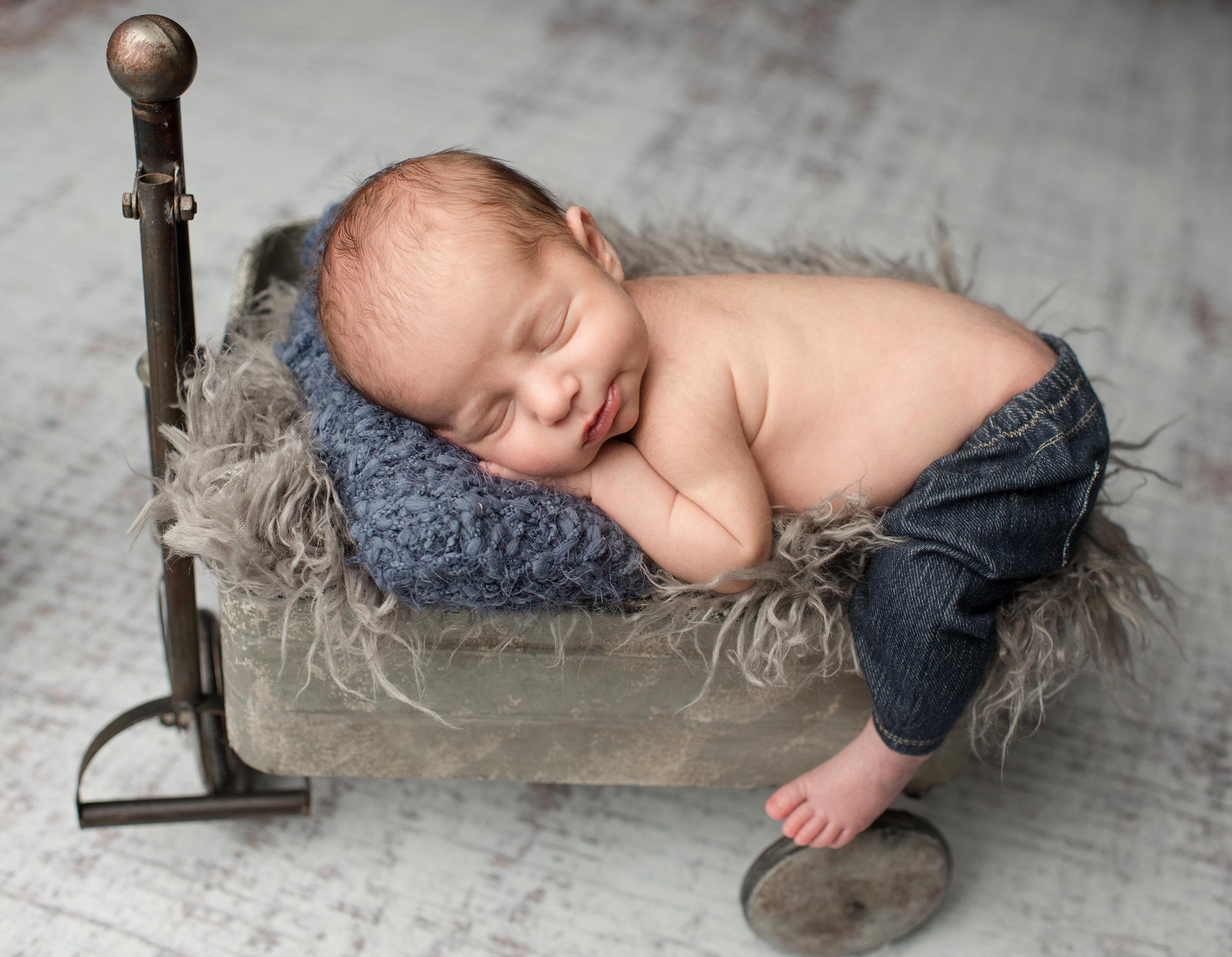 Newborn Boy Feb 2018-3774.jpg