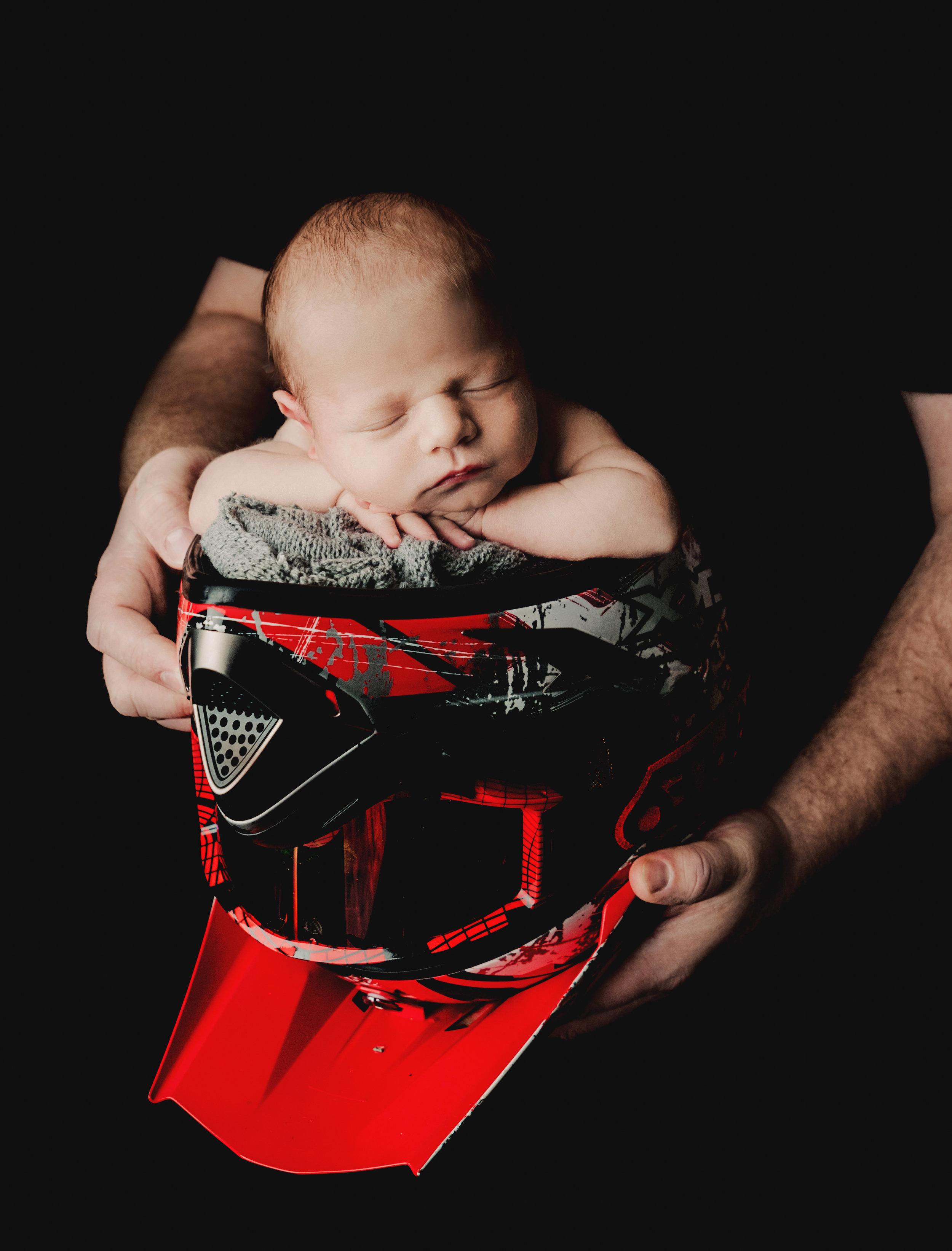 Newborn BOY 12-2-18 -9808.jpg