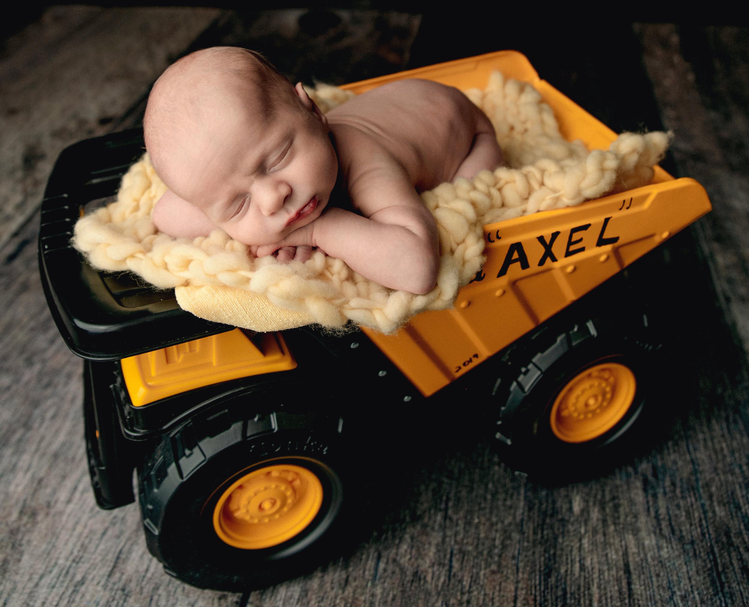 AXEL NEWBORN IMAGES-4476.jpg