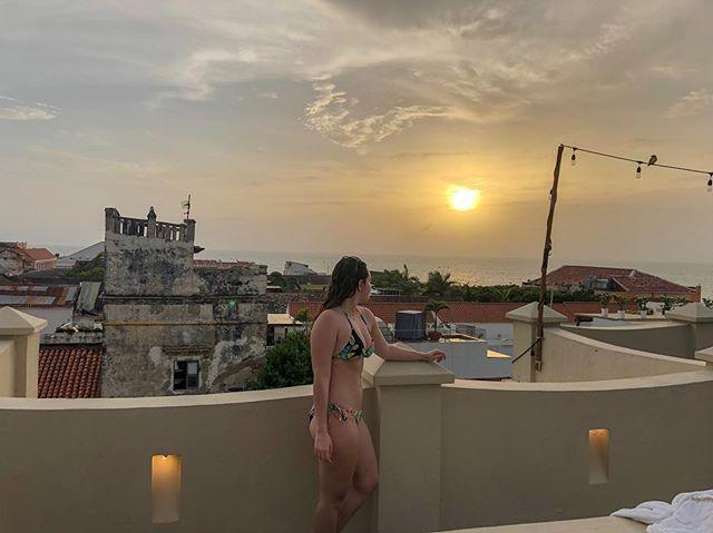 Cartagena 🇨🇴📍#Colombia ▫️ ▪️ ▫️ ▪️ #travelblogger #instatravel #travelgram #wanderlust #takemeto #followmeto #passportready #traveler #travelphoto #igtravel #traveltheworld #cartagena