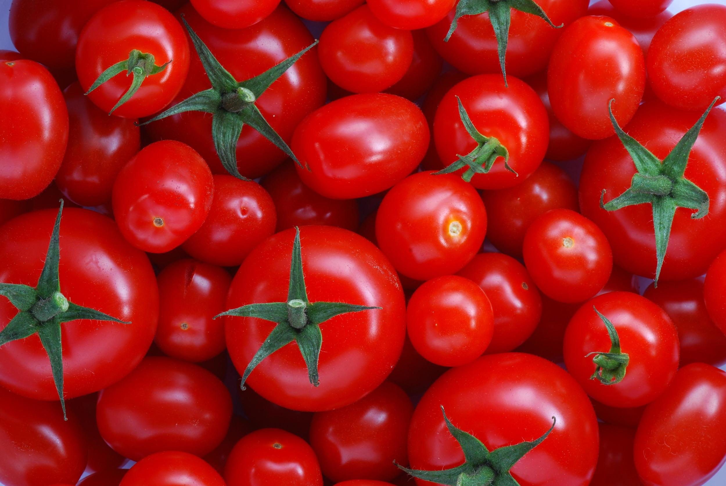 Many foods including broccoli and tomatoes help prostate health.