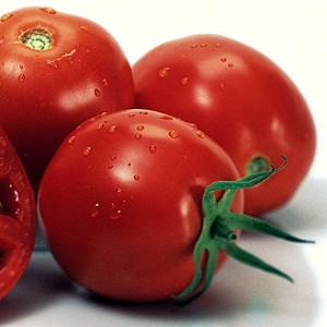 tomatoes contain lycopenes for prostate health
