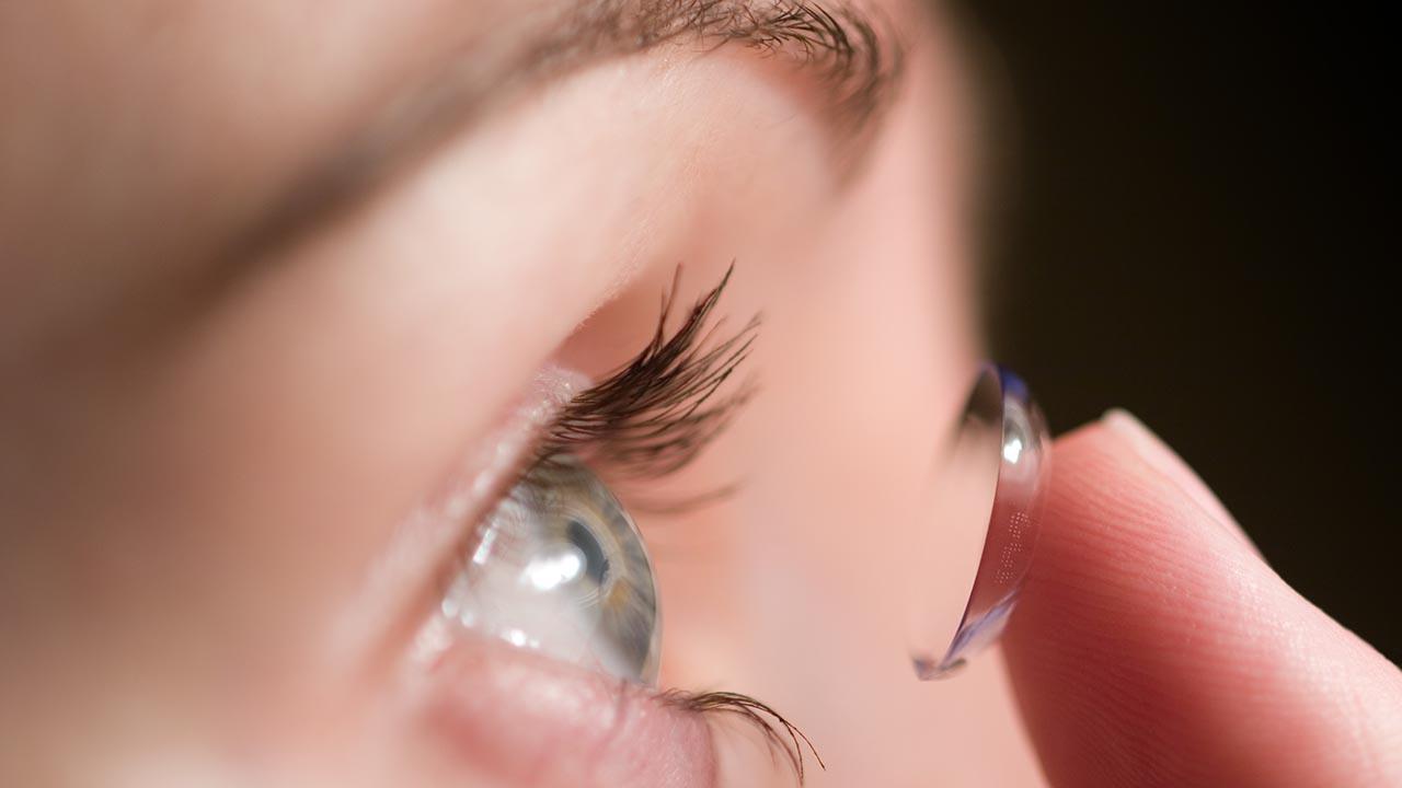 UV blocking Contact Lenses.jpg