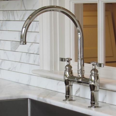 kitchenfaucet1.jpg