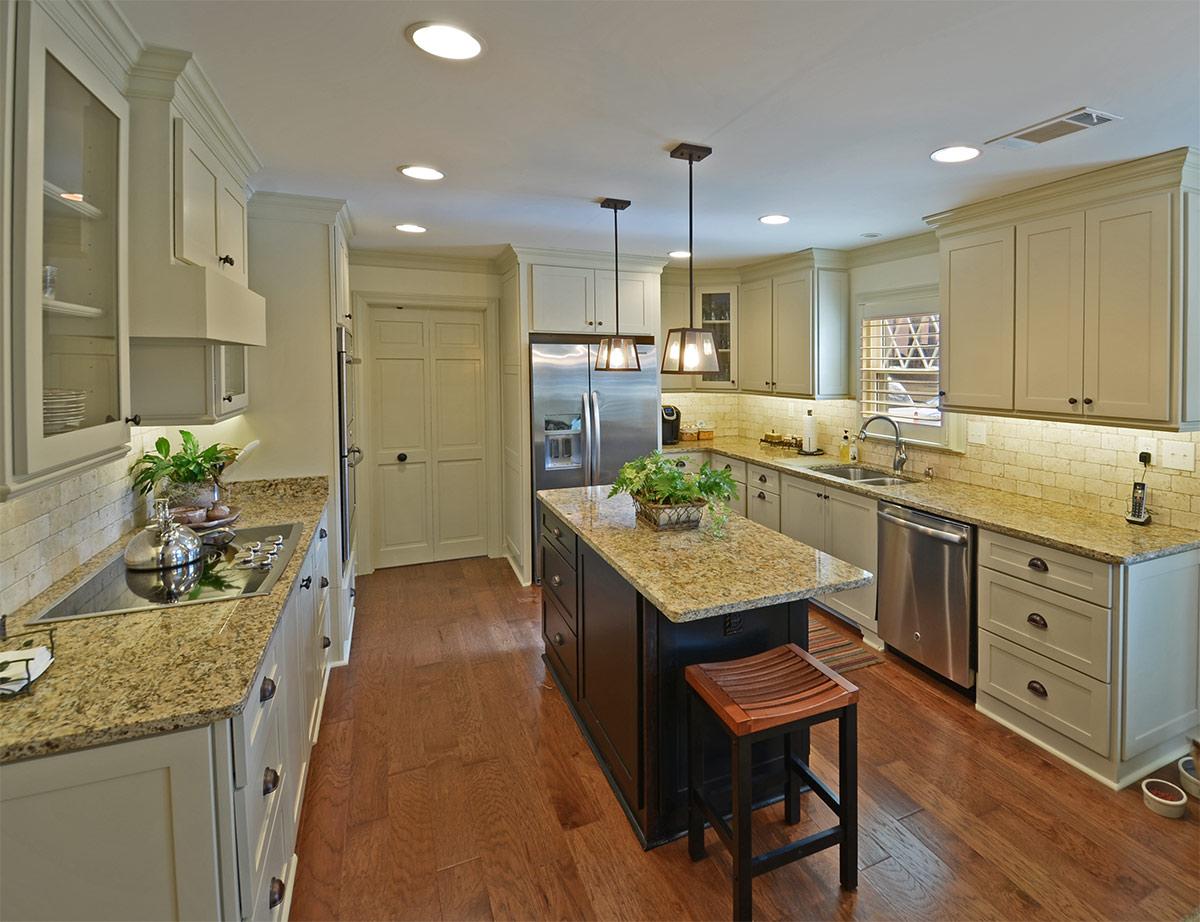 2316lansingwood_kitchen.jpg