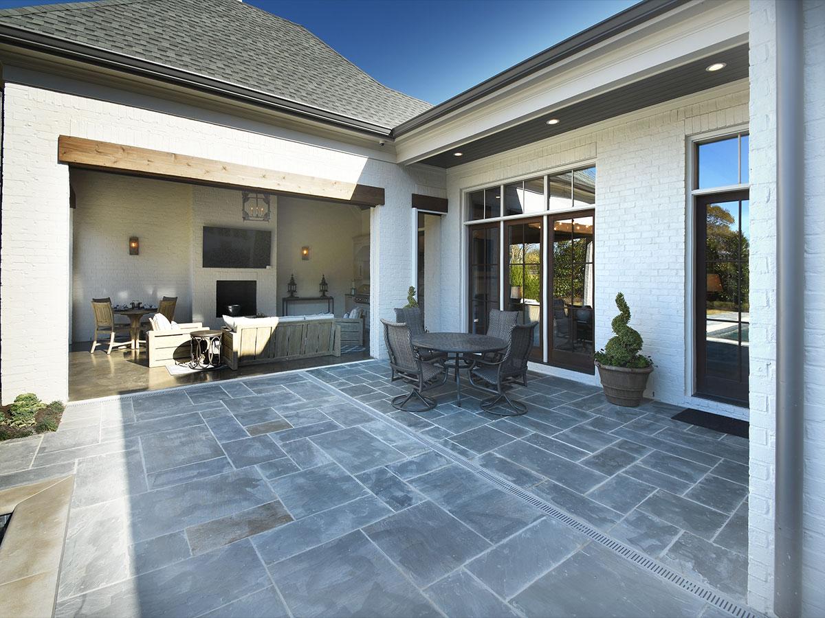 3215chapelwoods_patio_porch.jpg