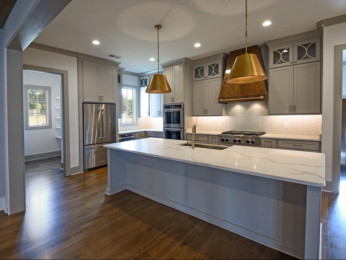 305angelwood_kitchen&pantry.jpg
