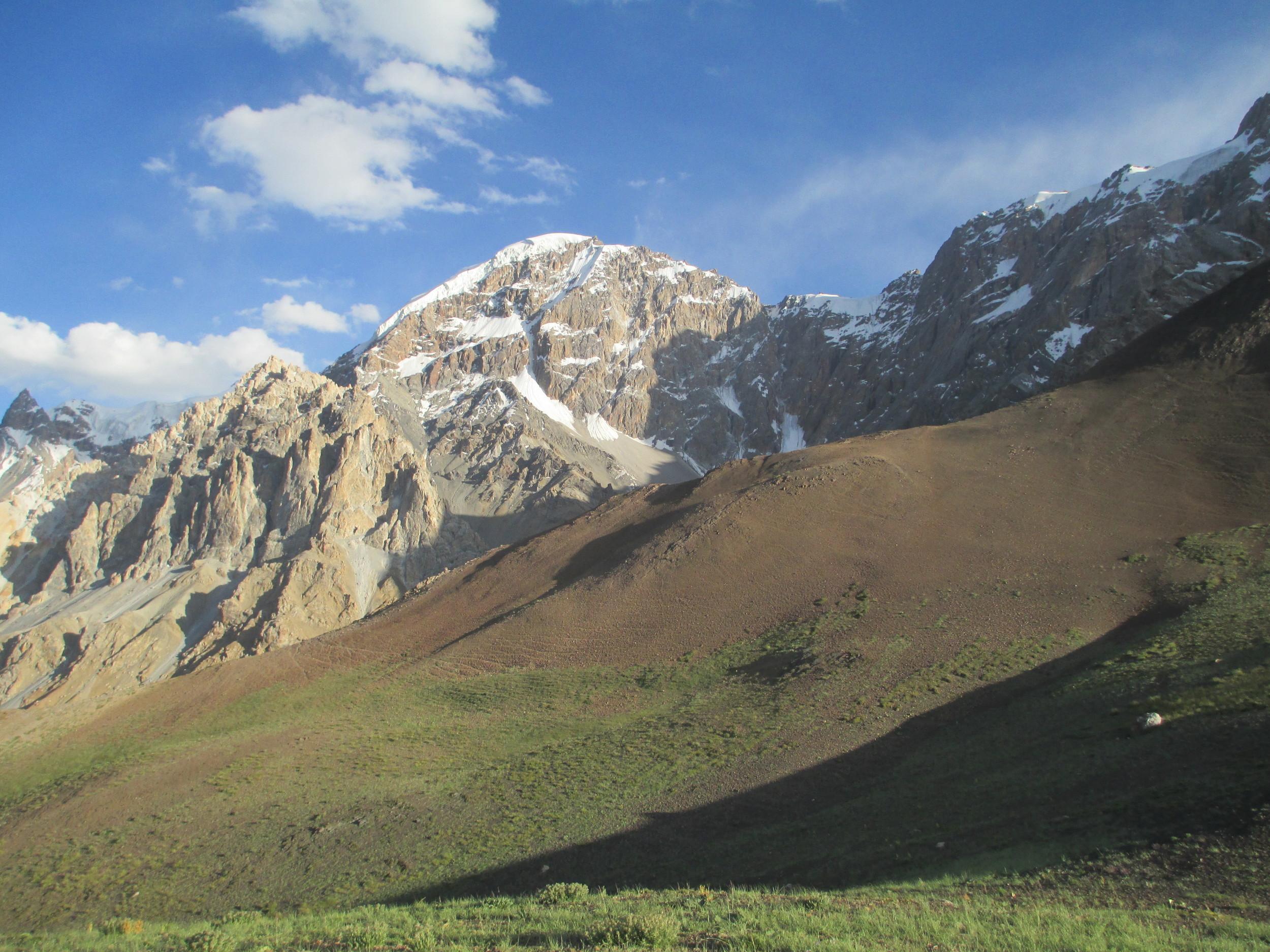 Mountains in Zuda Khun - Chupursan valley