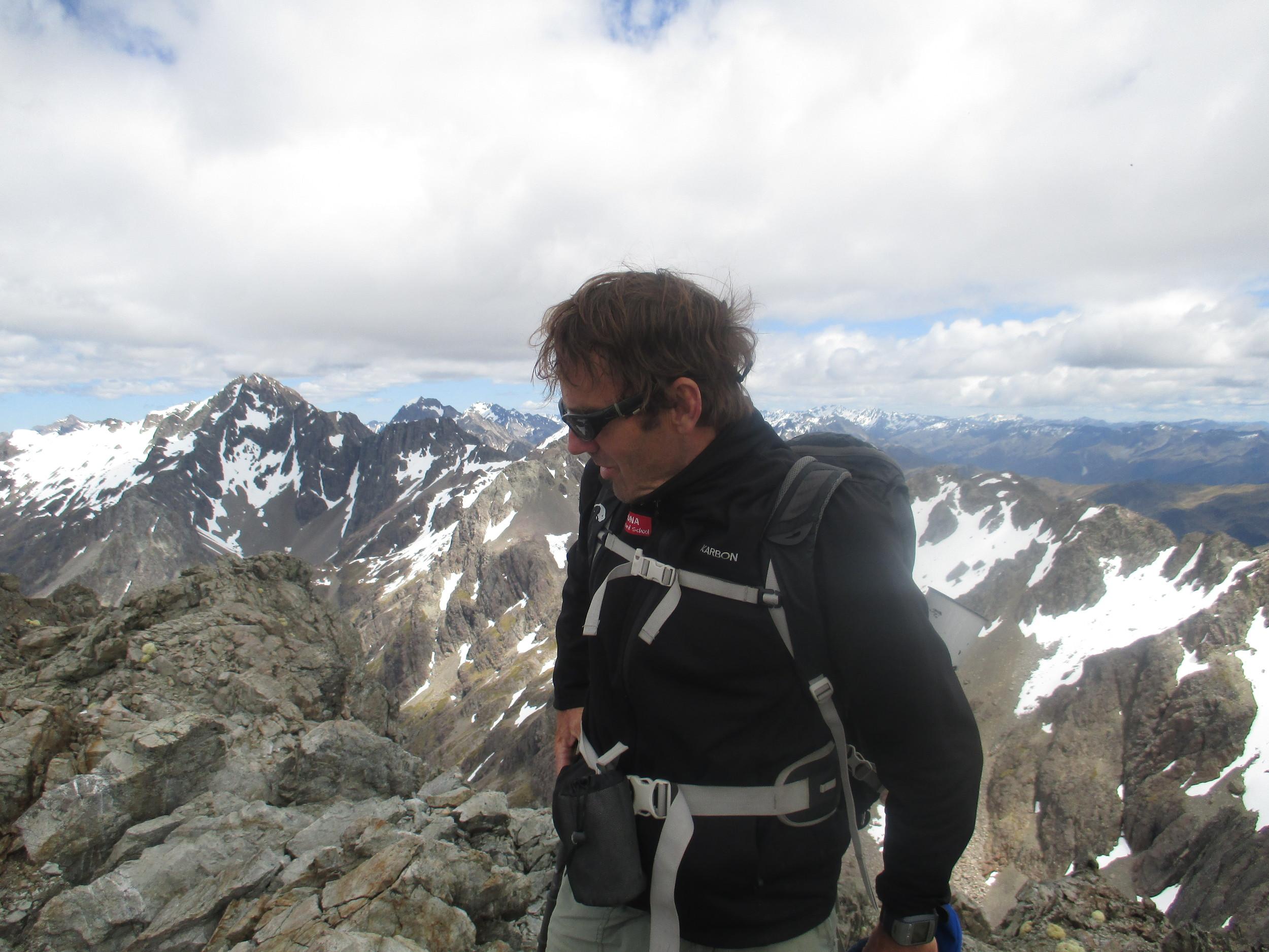 On Angelus summit, Hopeless behind