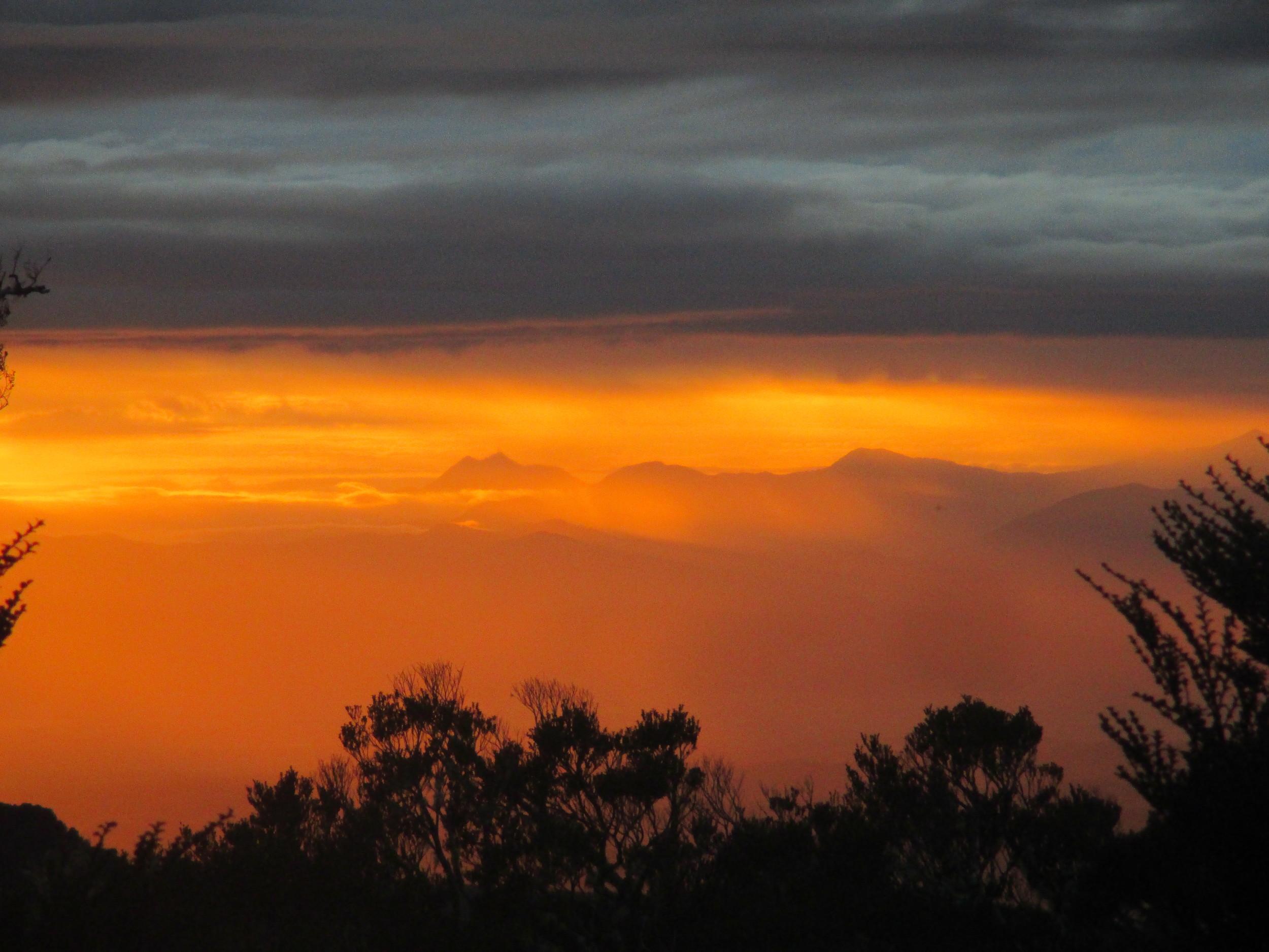 Dusk over the Richmond ranges