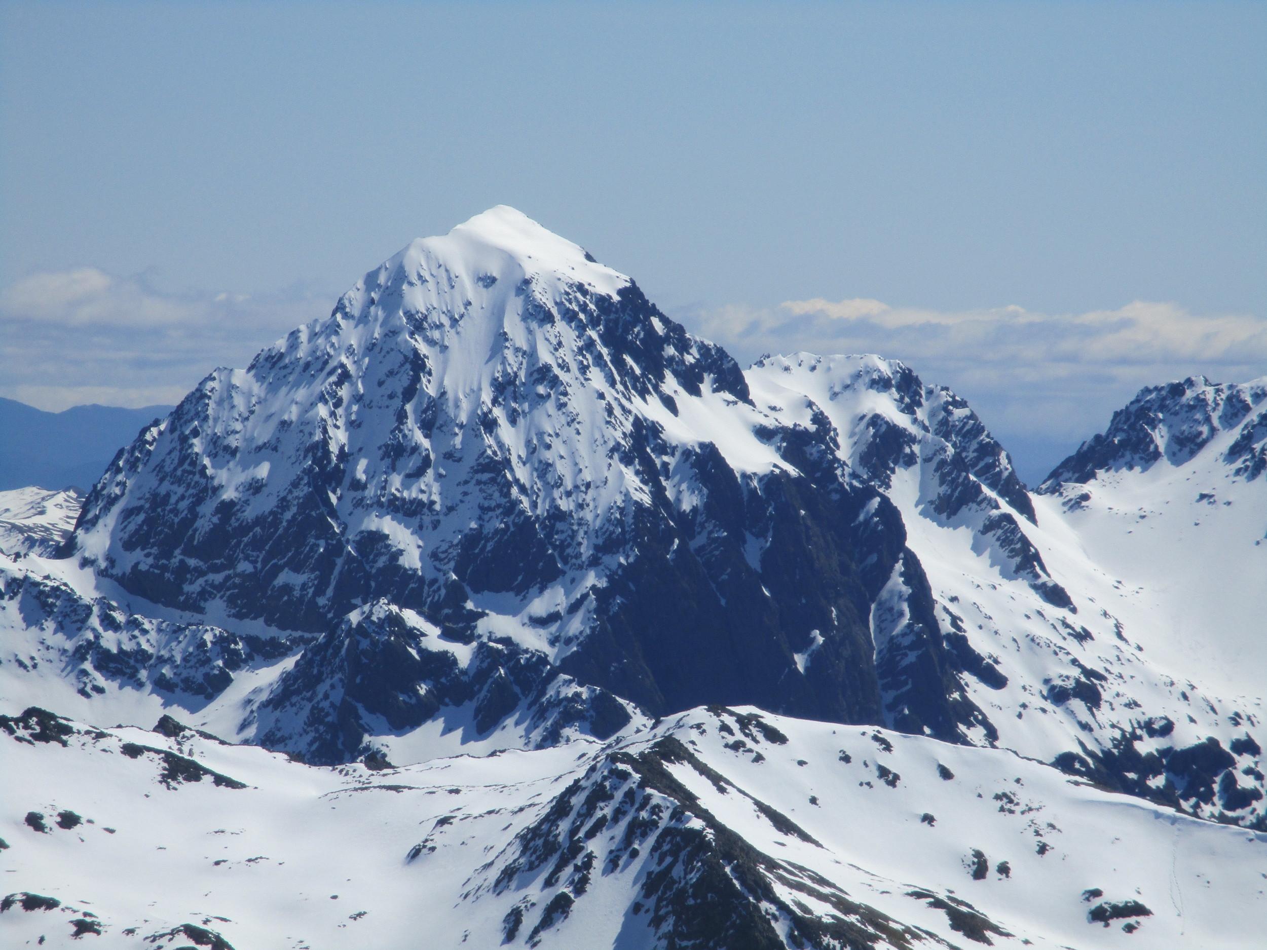 Mount Cupola 2270m , Nelson lakes