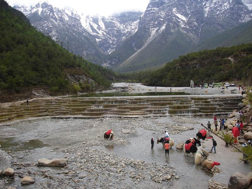 Jade Dragon Mountain range , Yunnan , China