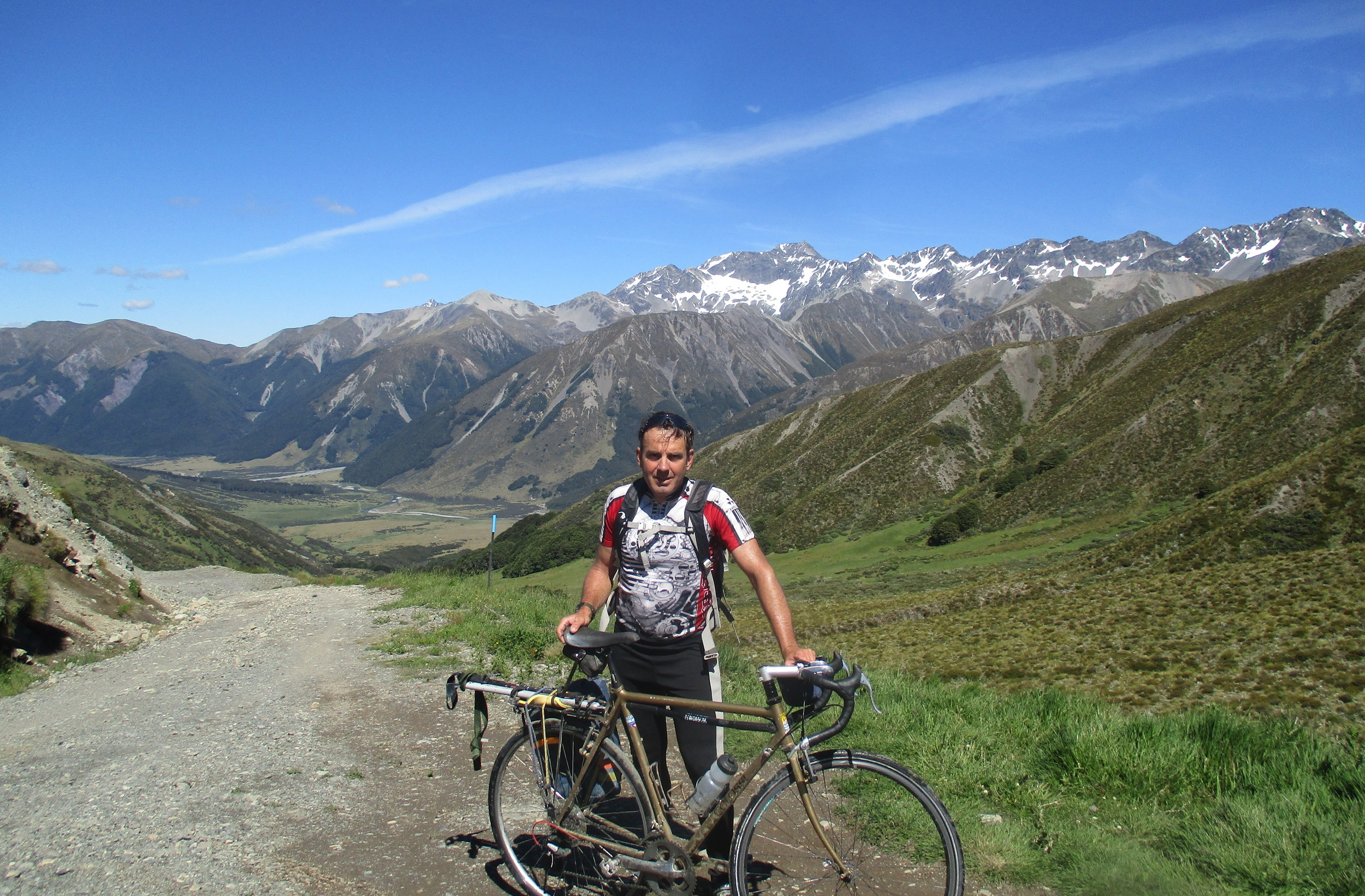 On top of Maling pass 1300m before ascending Mount Princess, Behind Mount Una 2301m