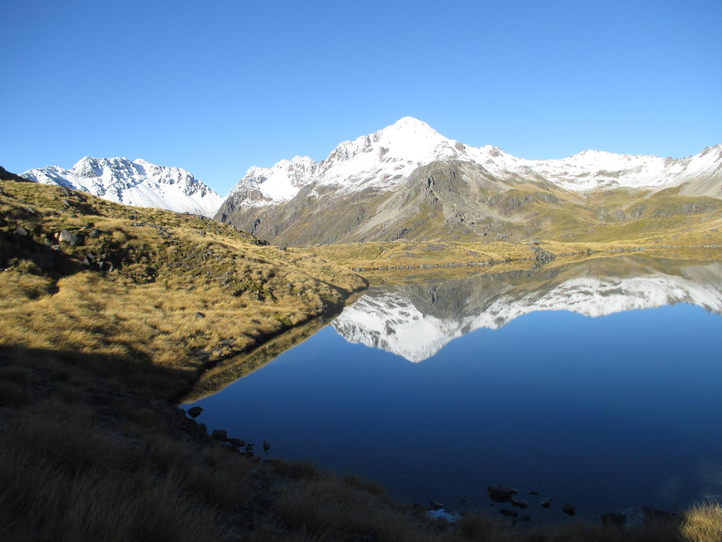 Angelus ridge and Mount Angelus from Lake Angelus in May