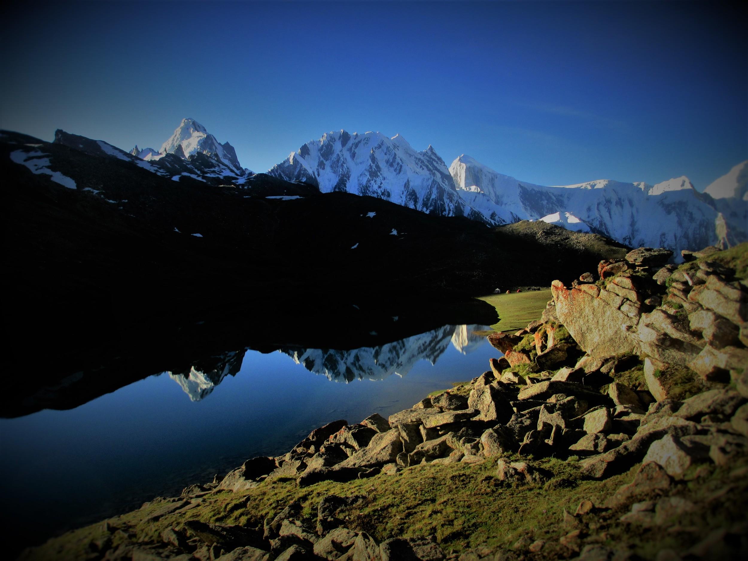 Rush Lake 4600 m at Dawn, Karakorum's in the Hunza behind.