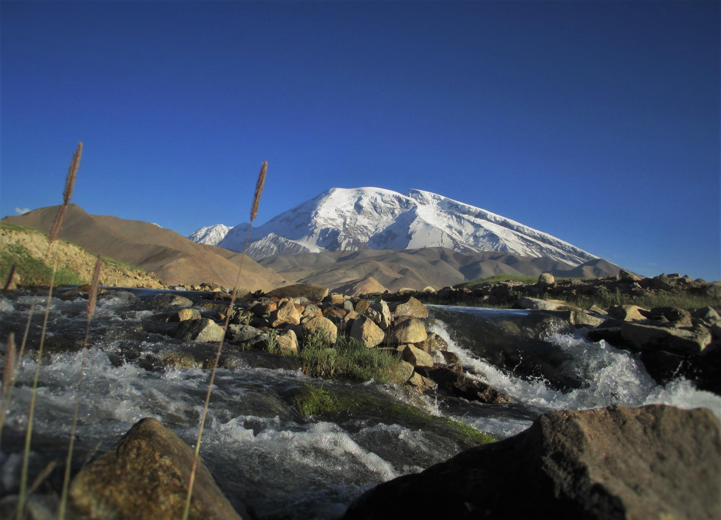 Mustaga Ata 7509 m from Krakol lake on the Karakorum Highway
