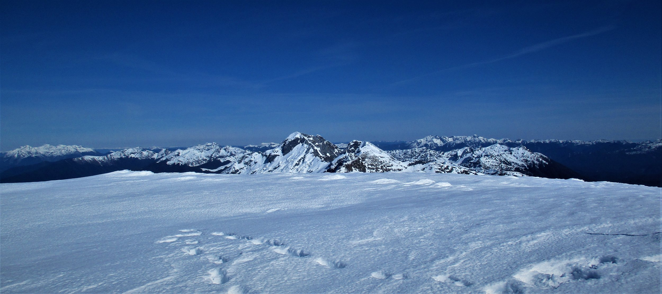 From the summit of Mount Arthur L to R, the Owen massif, The Twins and Mount Kendall.