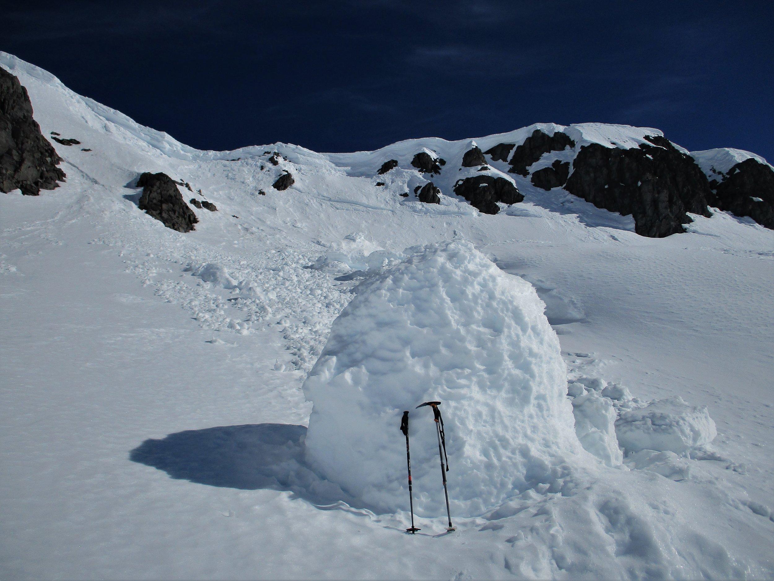 Large avalanche blocks just lying around