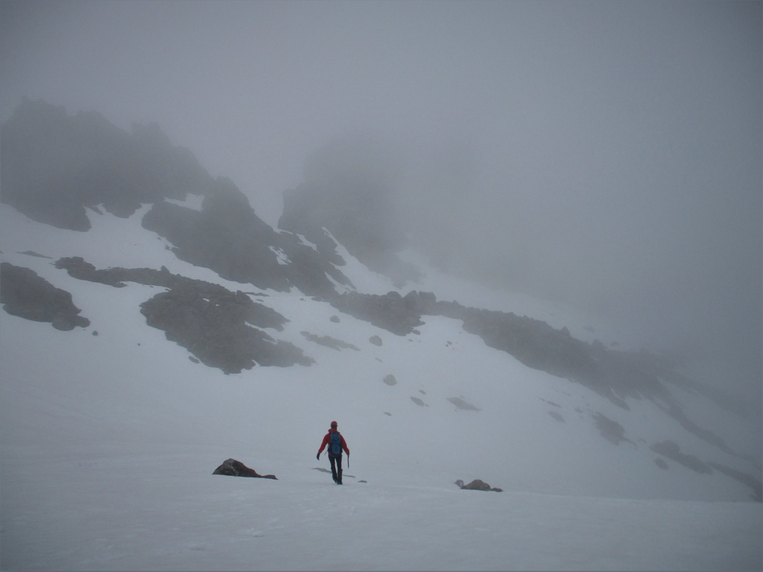 Wading through the mist's up to another little climbed peak, this time 2136 m in the Nelson lakes.