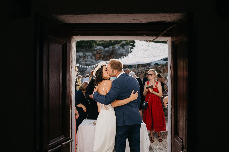 Wedding in Crete - Liron Erel Echoes & Wild Hearts 0052.jpg