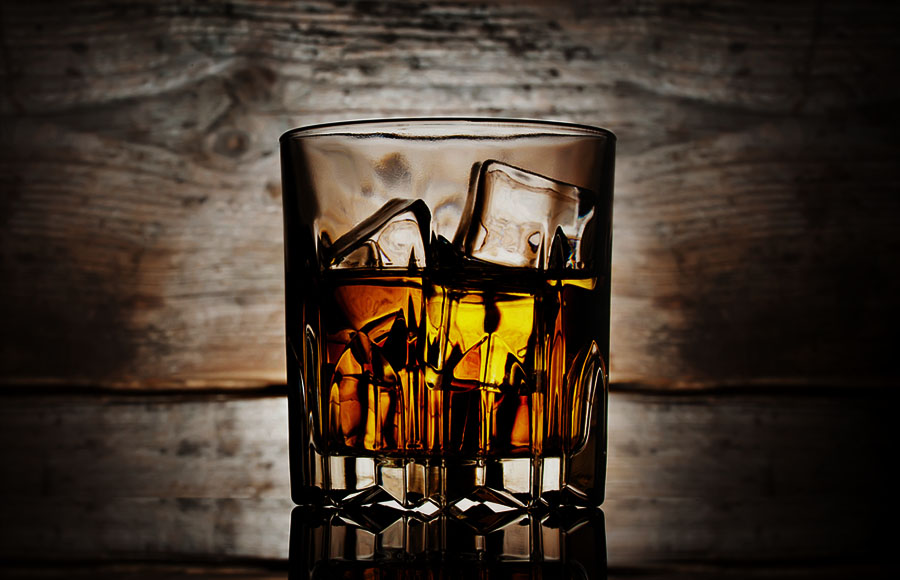 <p><strong>WHISKY</strong><a href=/whisky>→</a></p>