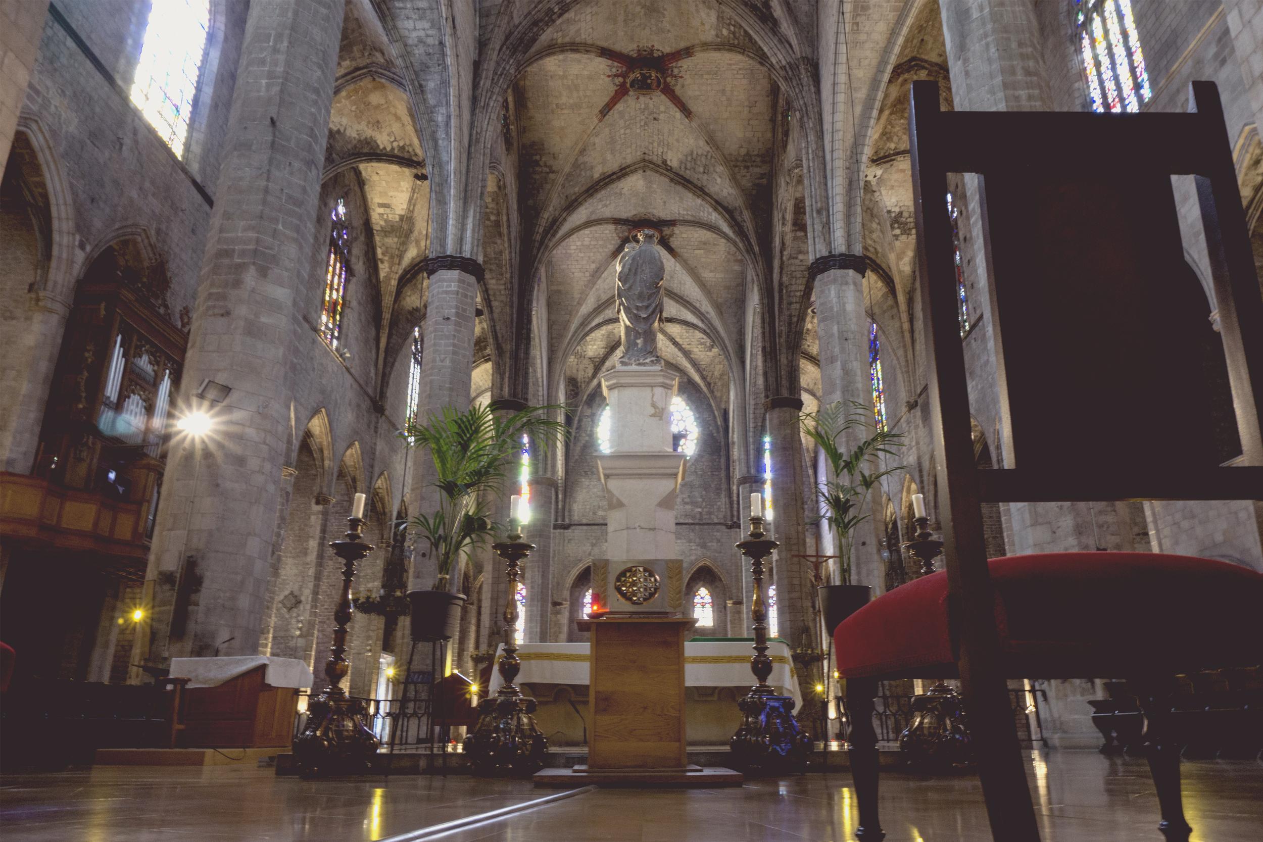 Inside Cathedral de Santa MariaDdel Mar, Barcelona, Spain