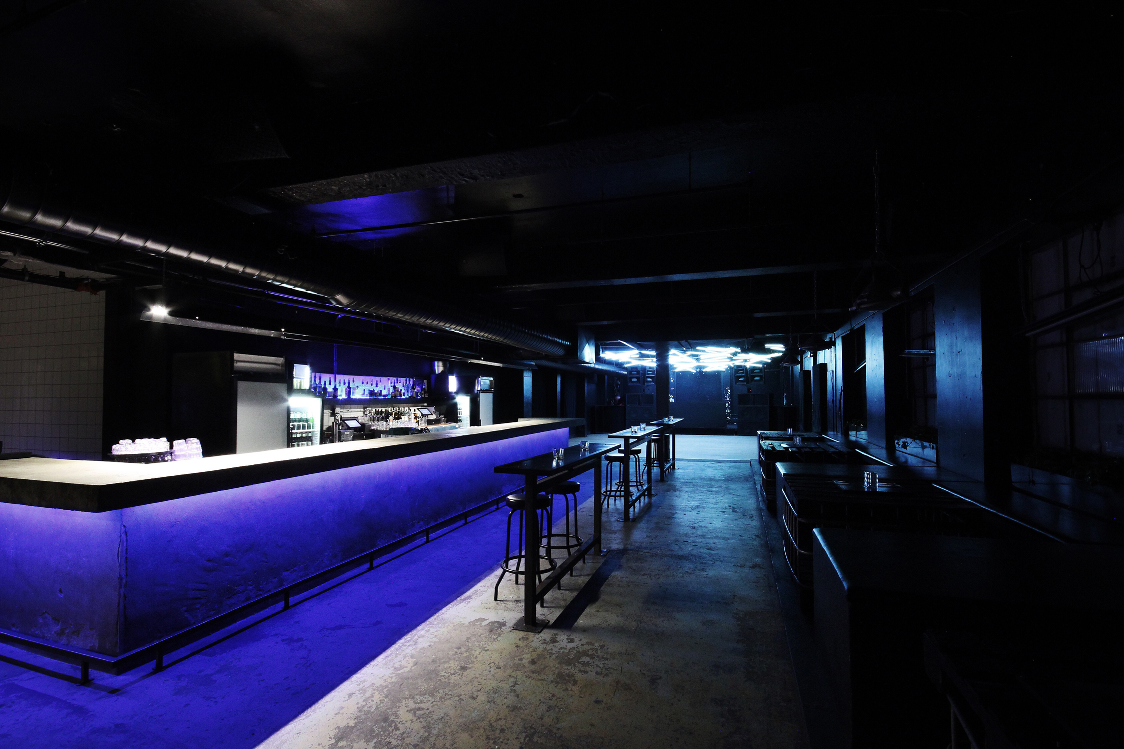 Bar_Seats_03.jpg