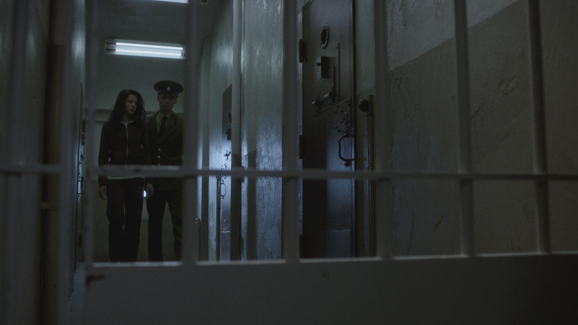 14 302_Sc71_2 prison.jpg