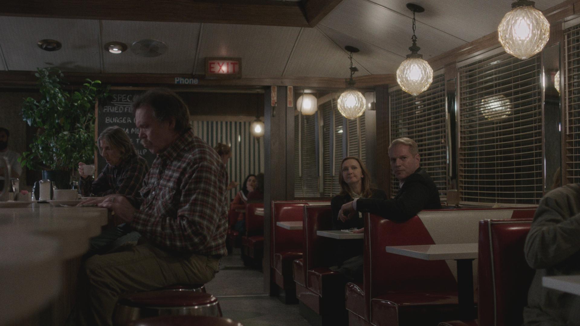 42 AM304_SC20 diner.jpg