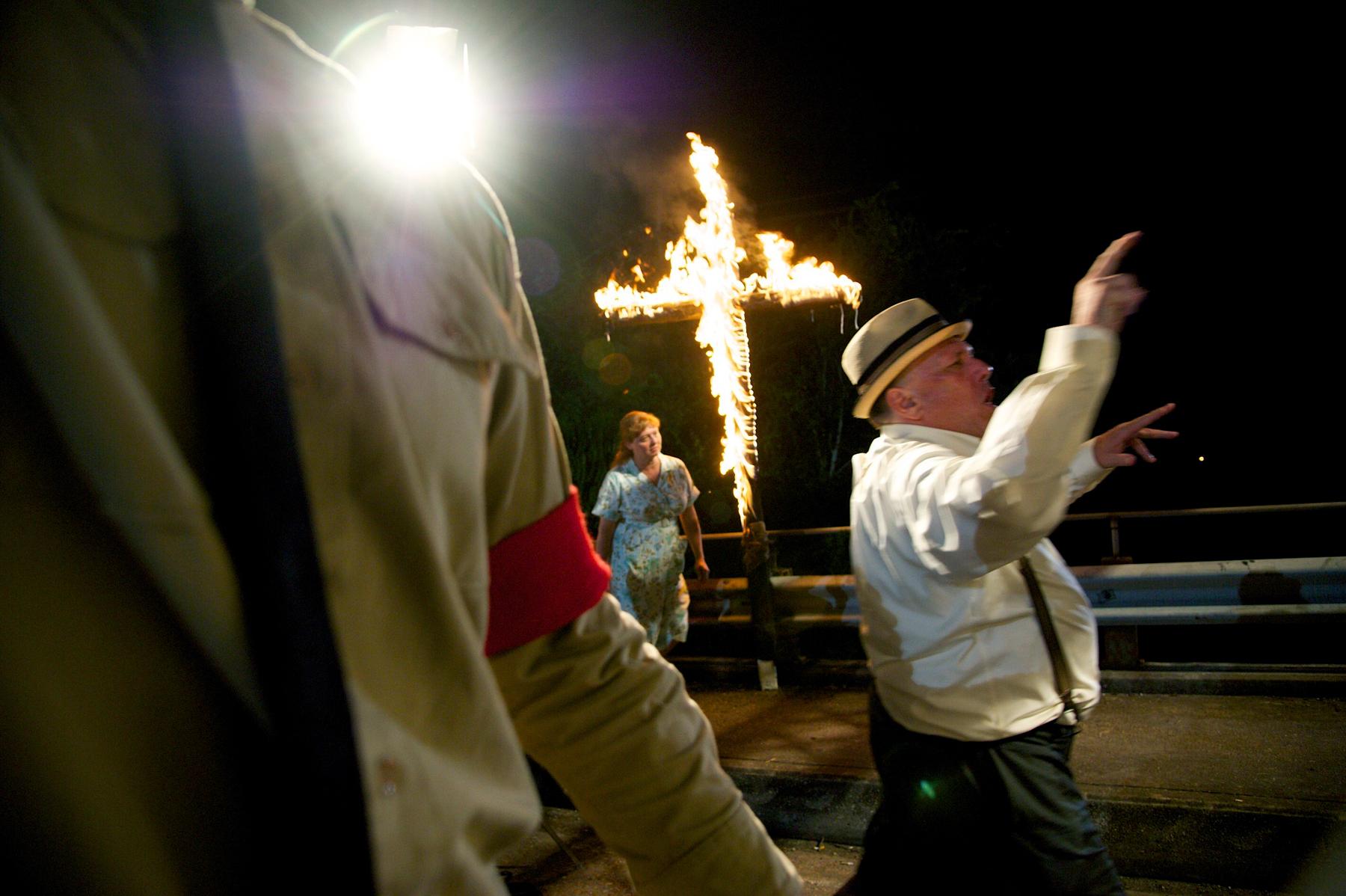 3i burning cross.jpg