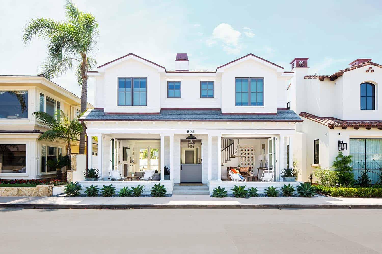 Beach-Style-House-Graystone-Custom-Builders-01-1-Kindesign.jpg