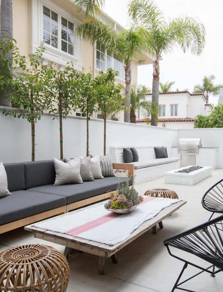 Beach-Style-House-Graystone-Custom-Builders-29-1-Kindesign.jpg
