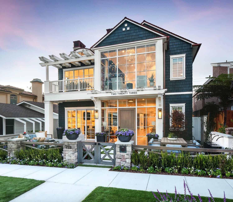 Beach-Style-Home-Brandon-Architects-01-1-Kindesign.jpg