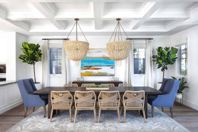 Beach-Style-Home-Brandon-Architects-13-1-Kindesign.jpg