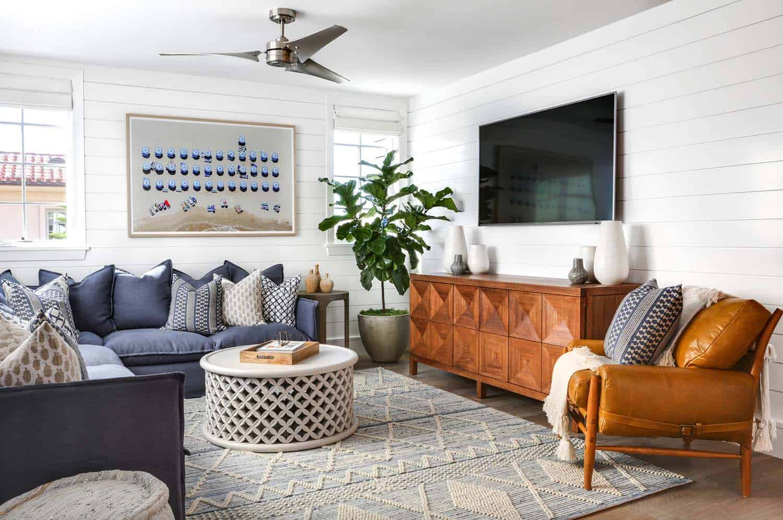 Beach-Style-Home-Brandon-Architects-24-1-Kindesign.jpg