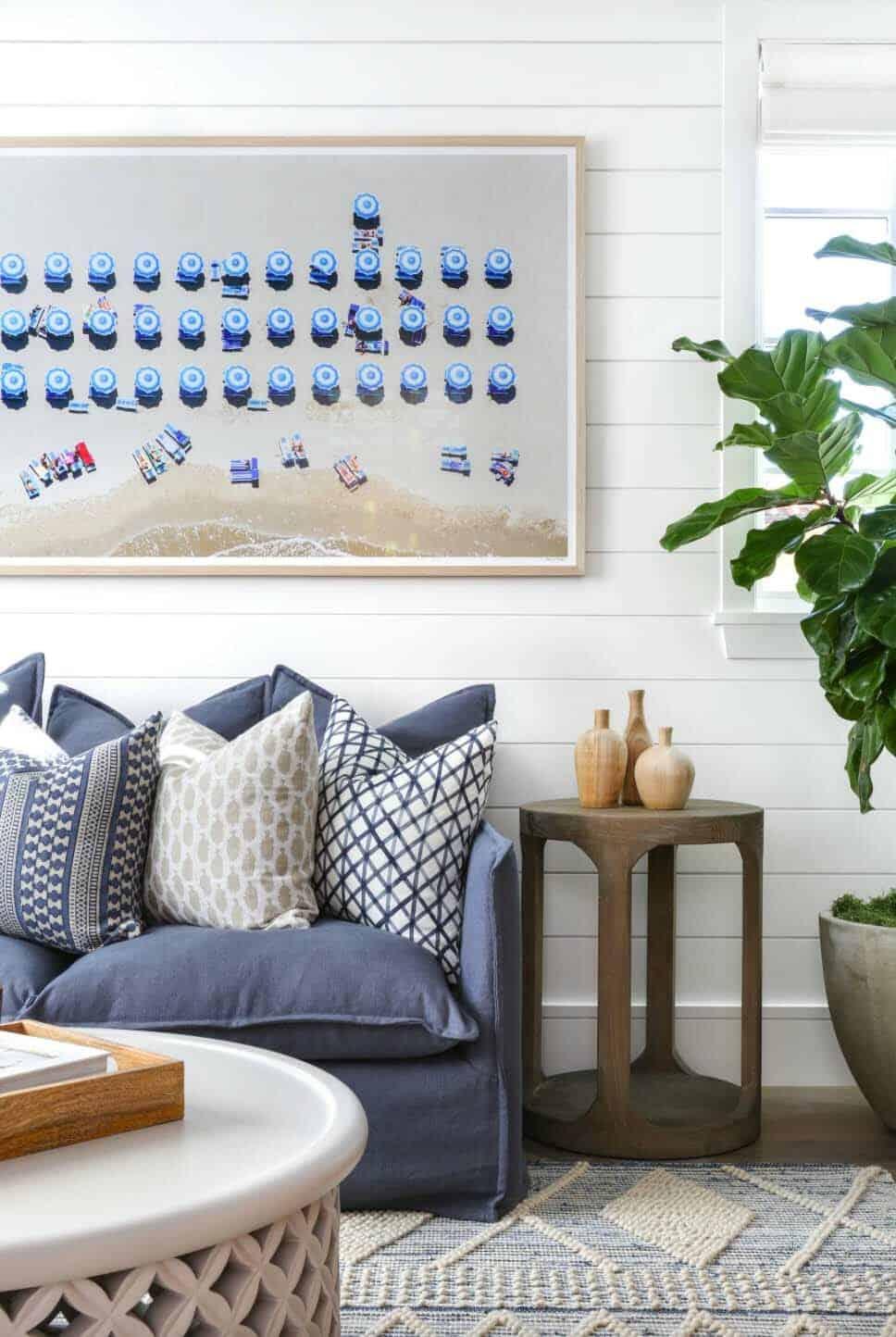 Beach-Style-Home-Brandon-Architects-25-1-Kindesign.jpg