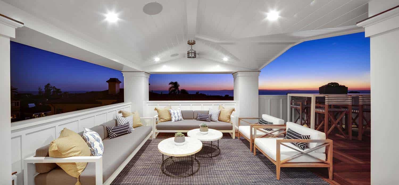 Beach-Style-Home-Brandon-Architects-49-1-Kindesign.jpg