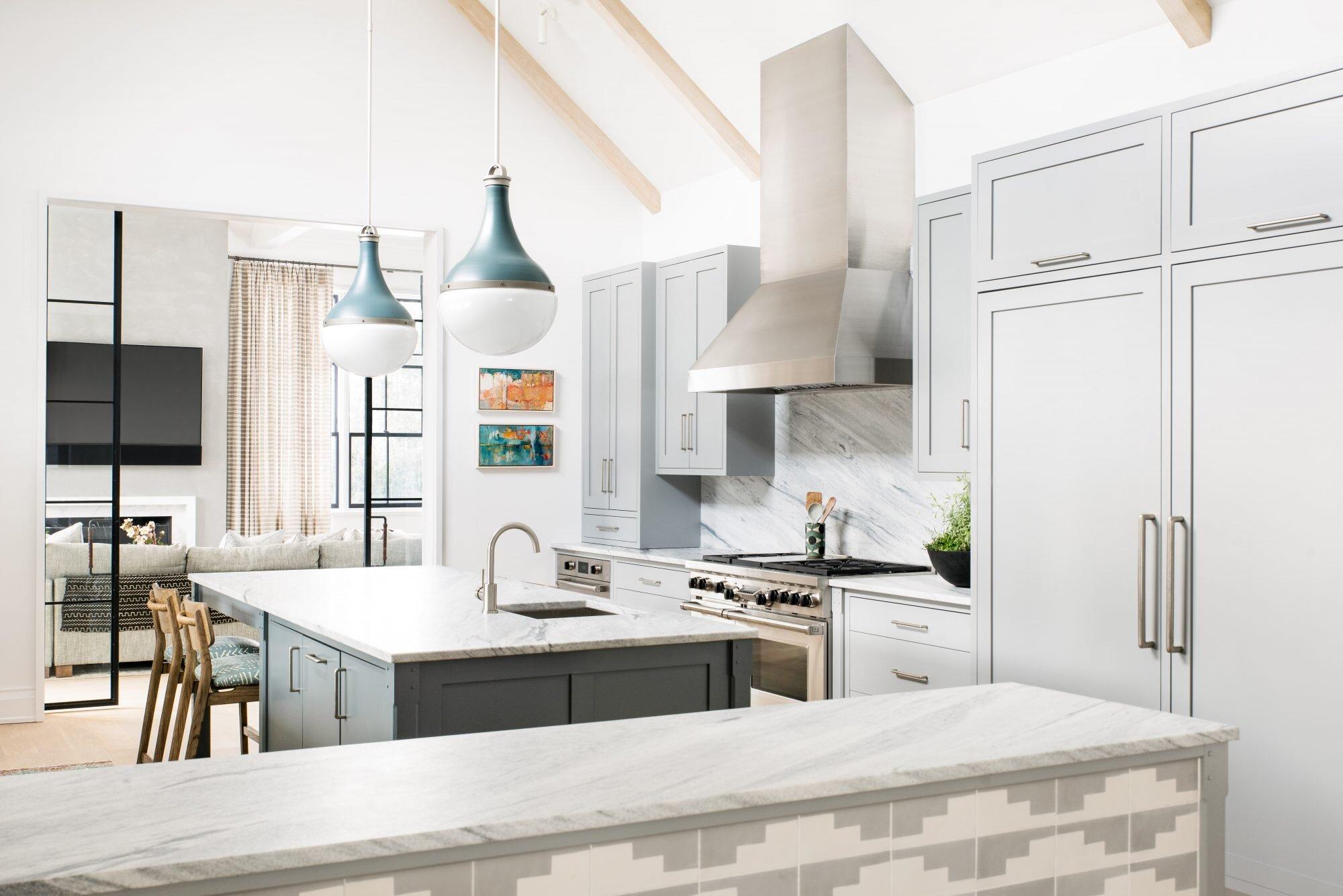 kitchen-wide-2-min-2000x1335.jpg