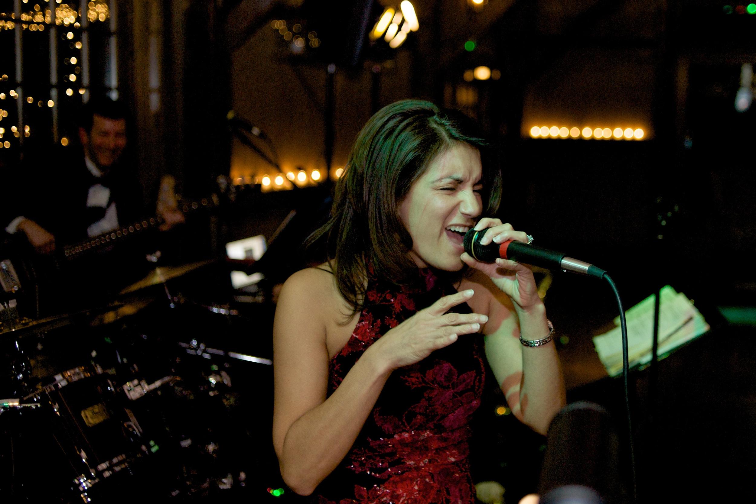 Marie singing