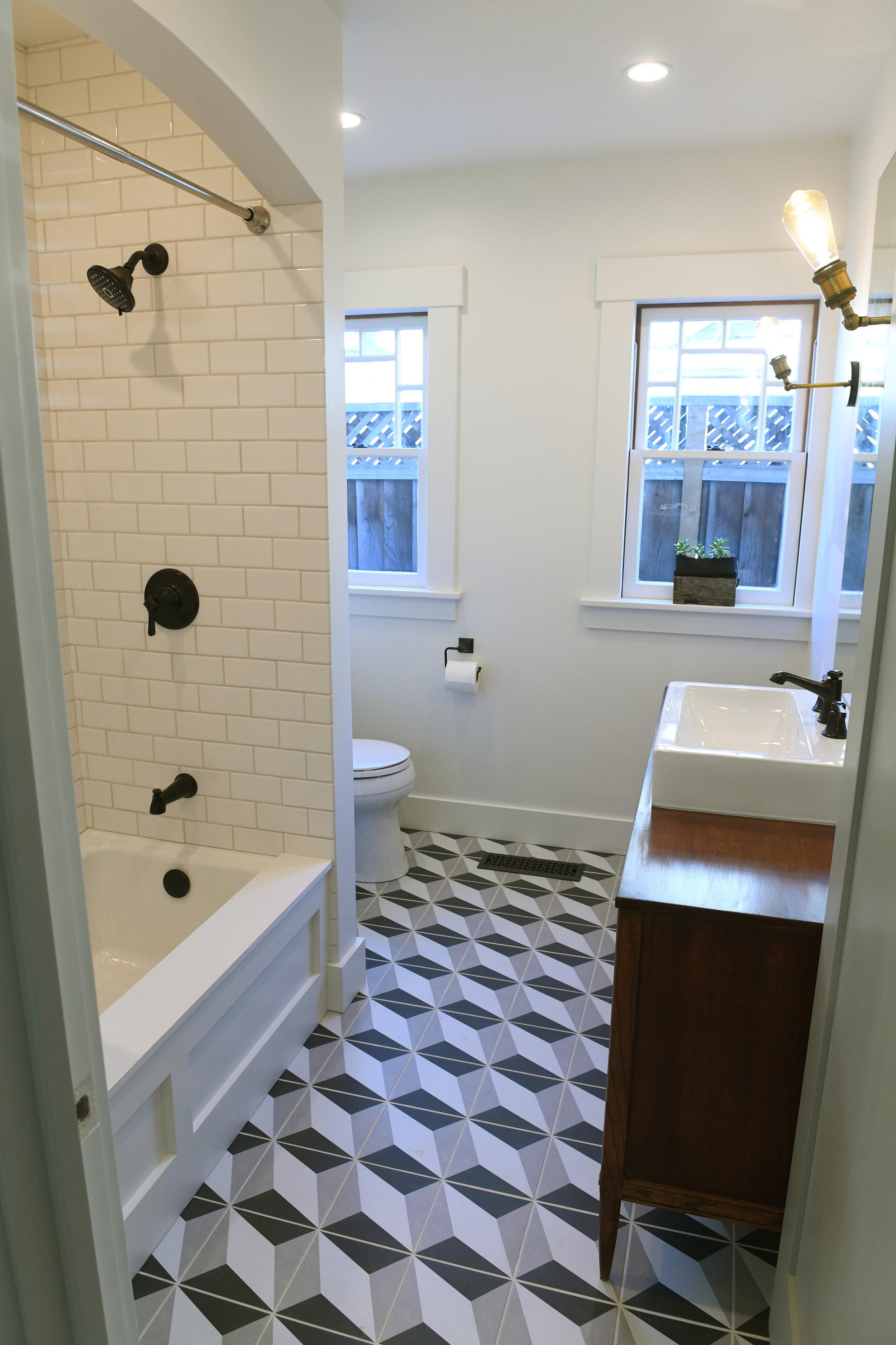 Guest Bathroom walls: White Dove (satin)