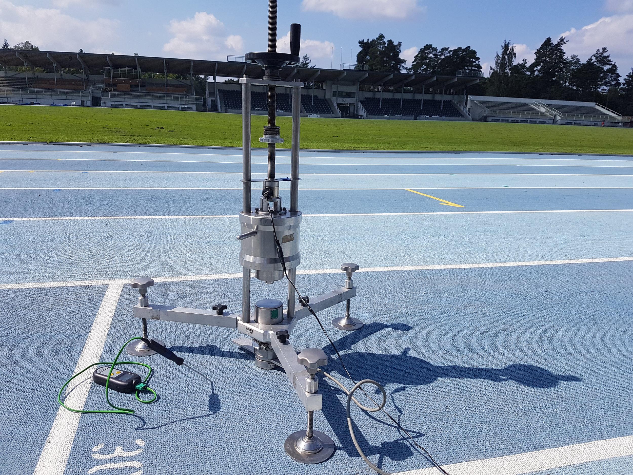 Test des pistes d'athlétisme