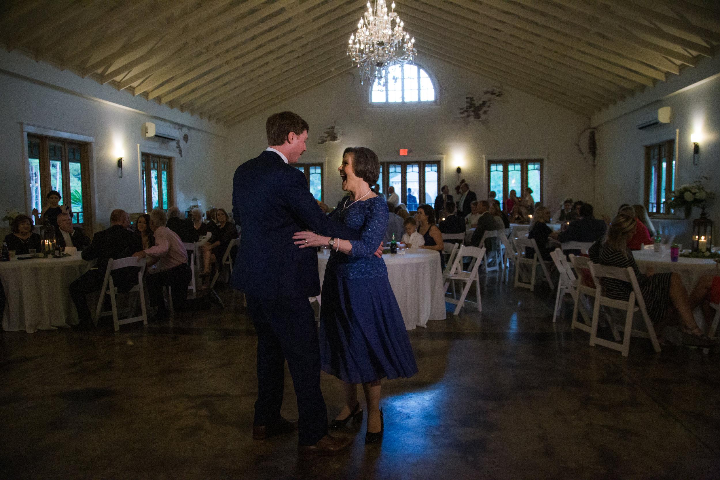 Bella-Sera-Gardens-Alabama-Mobile-Photography-Pensacola-Navarre-Fairhope-Wedding.jpg