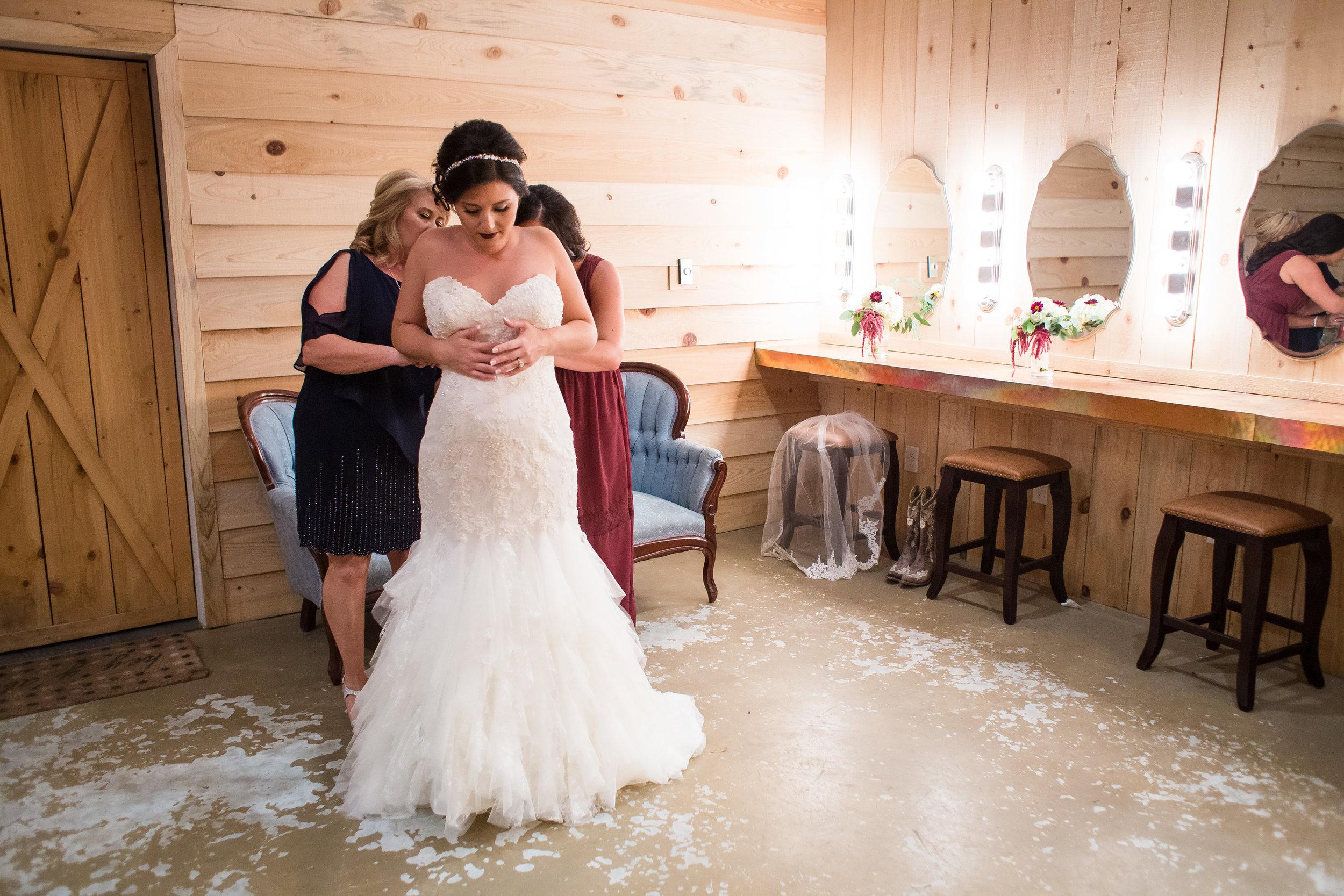 Barn-Wedding-Ates-Ranch-Wedding-Photo-Photography-Video-Videography-Pensacola-Florida-Courtney-Clint-11.jpg