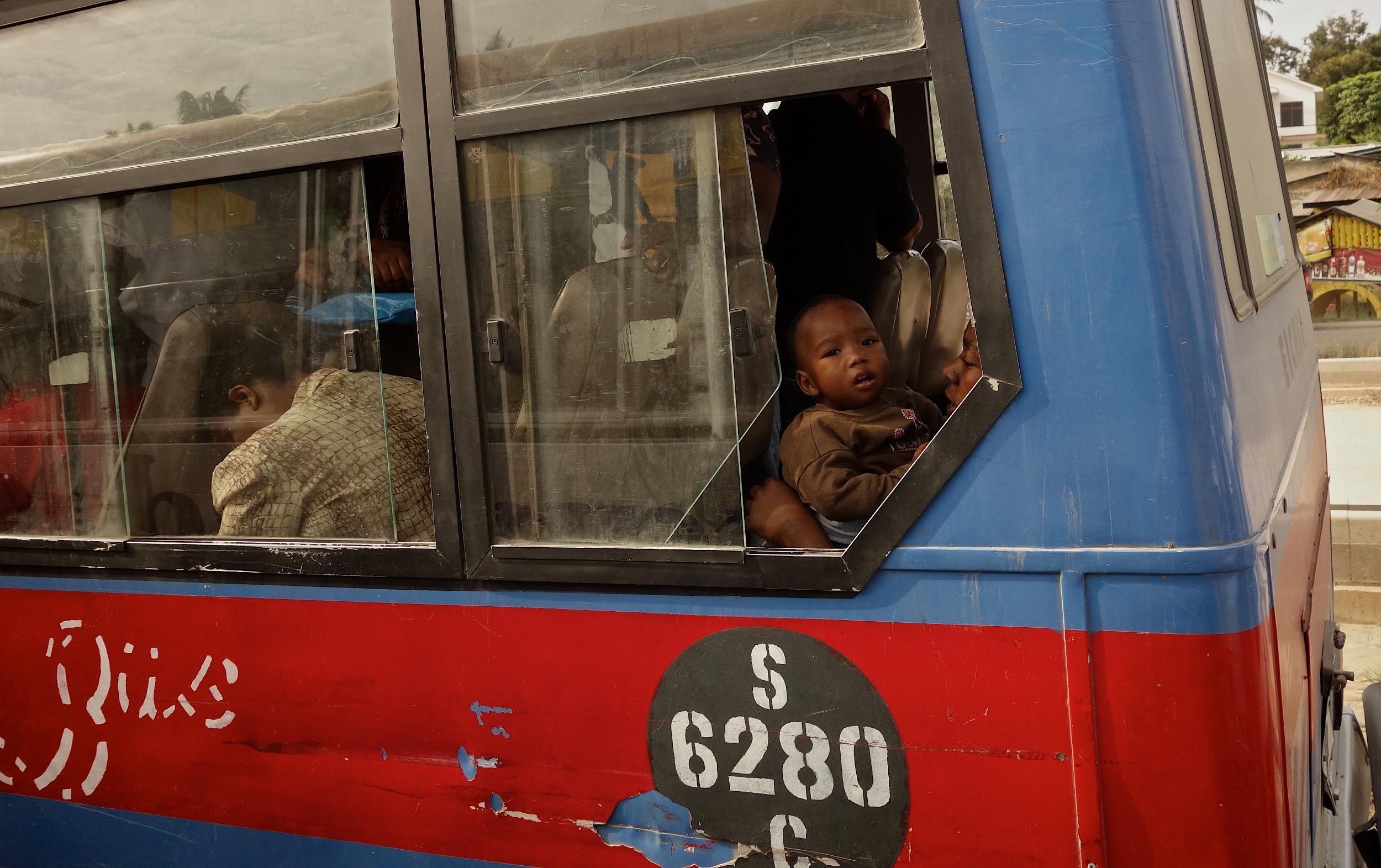 bus_2500 2.jpg