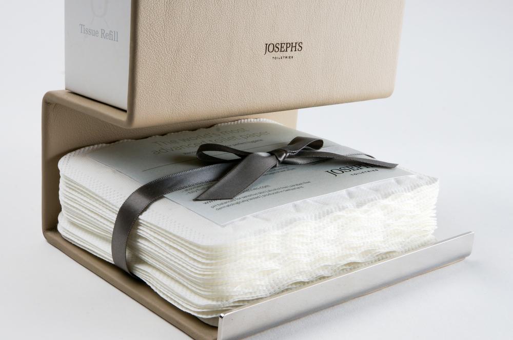 ....Ja genau. Luxus-toilettenpapier...There's toilet paper, and then there's 'Toilet paper'.... - branding