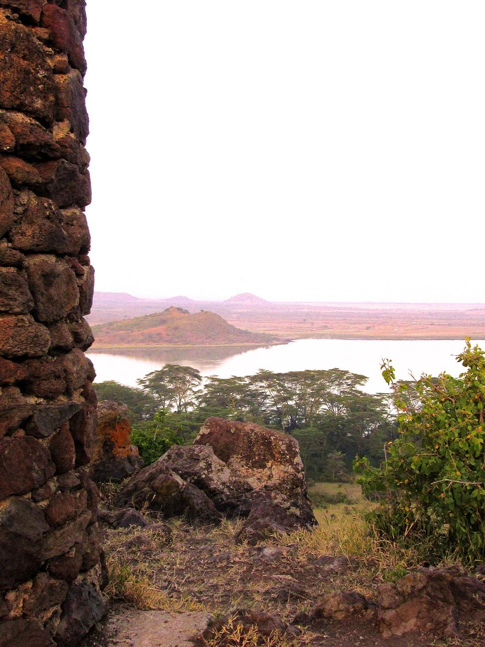 jacaranda_lake_elementaita_monument.jpg